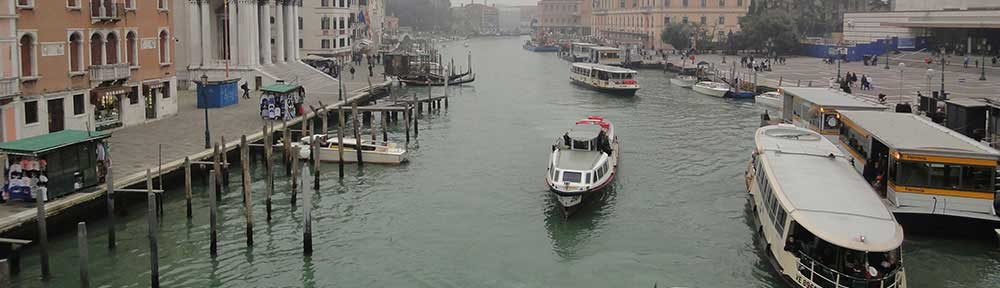 venice-canal-boates