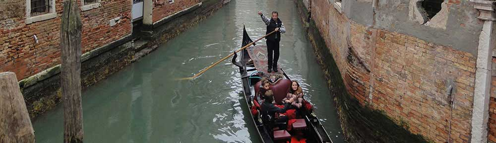people-on-gondola-venice
